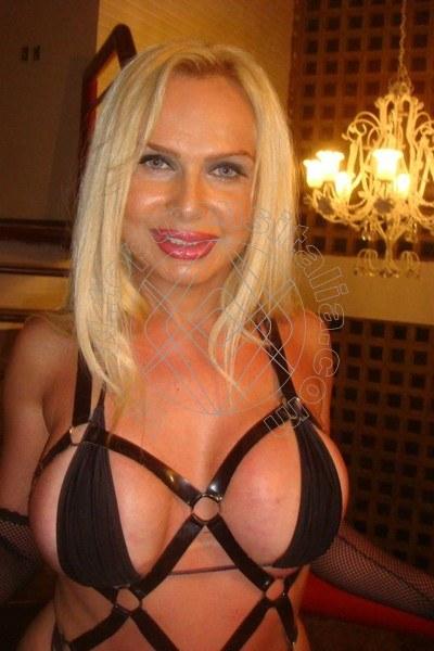 Foto 4 di Mara Bomba Sexy trans Alba Adriatica