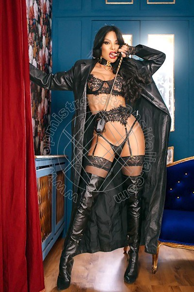 Foto 1 di Padrona Martins mistress trans Udine